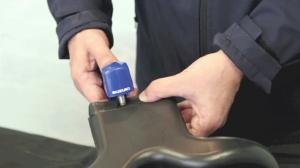 自動車部品のエアコン用ダクトをスズキ超音波ホッチキス「はるる」AUH30を使って溶着テストを行いました。